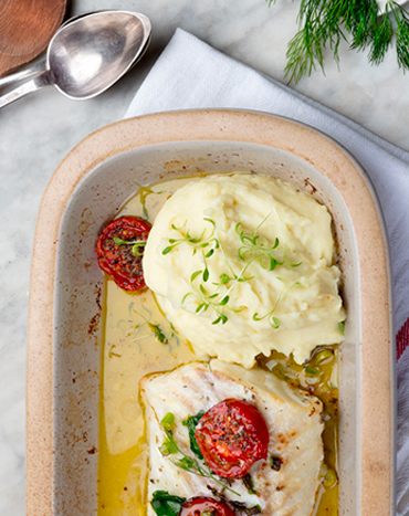 Dressage d'un plat de poisson avec sa purée